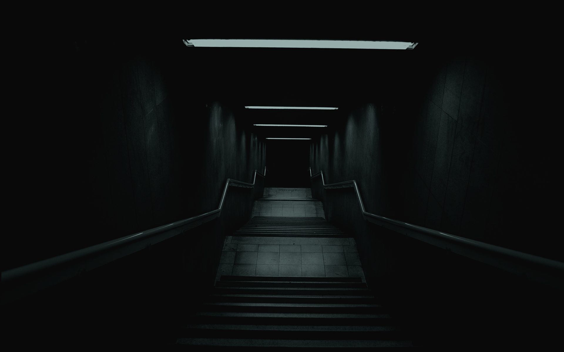161029-dark