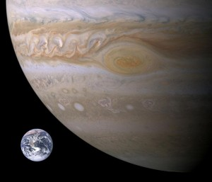 699px-Jupiter-Earth-Spot_comparison
